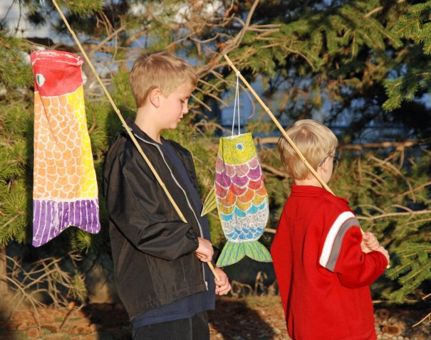 windsock_gailbartel_summercrafts_sunshine_redtricycle