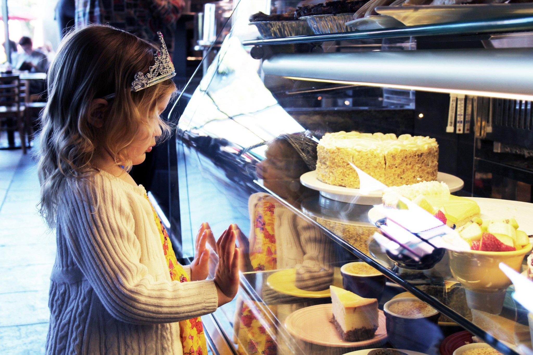 cafe-dessert-kid-barrone