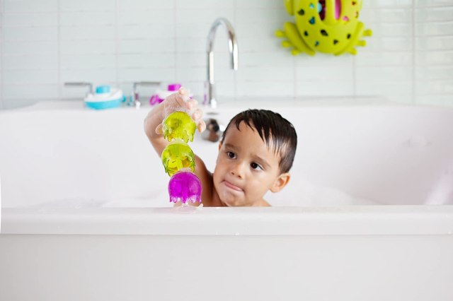 The Best Bath Toys to Keep Your Kids Entertained