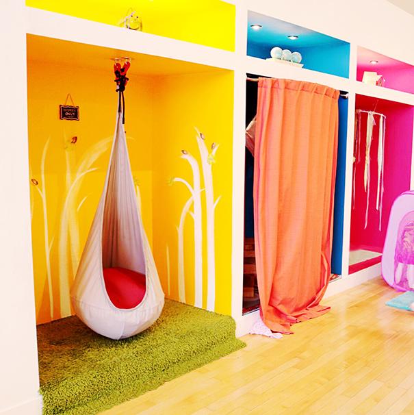Twirl play room_redtri