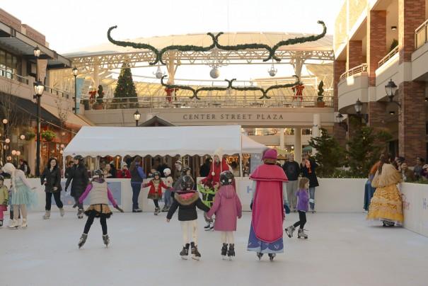 Redmond Town Center - Seize the Season