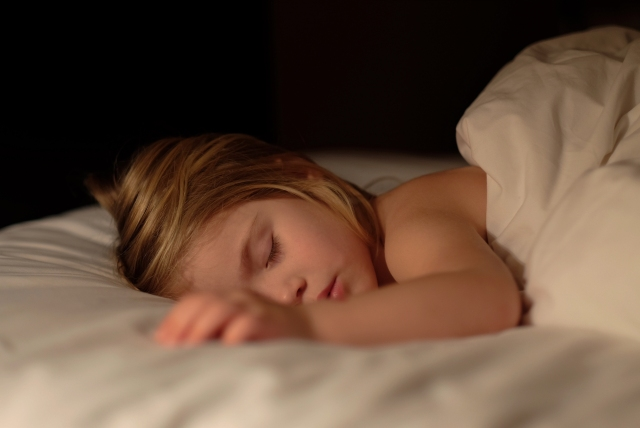 Why Earlier Bedtimes Lead to Healthier and Possibly Smarter Children