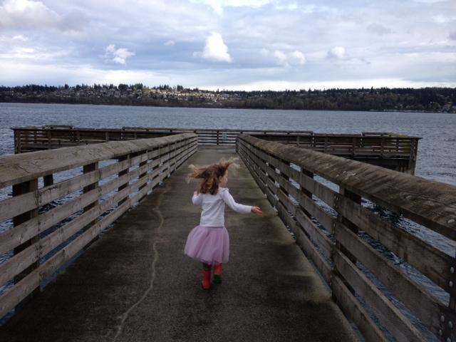 fox island fishing pier girl running gig harbor