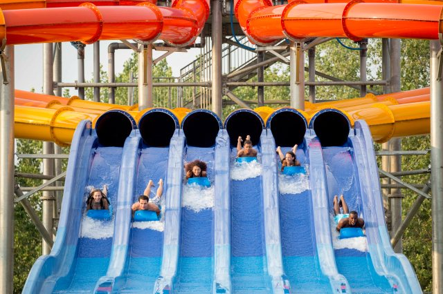 The 8 Best Amusement Parks for Families This Summer, According to Family Vacation Critic
