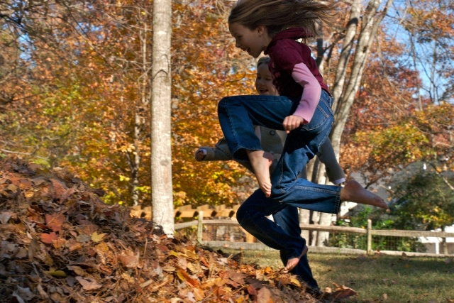 15 Great Ways to Play Outdoors In the Fall