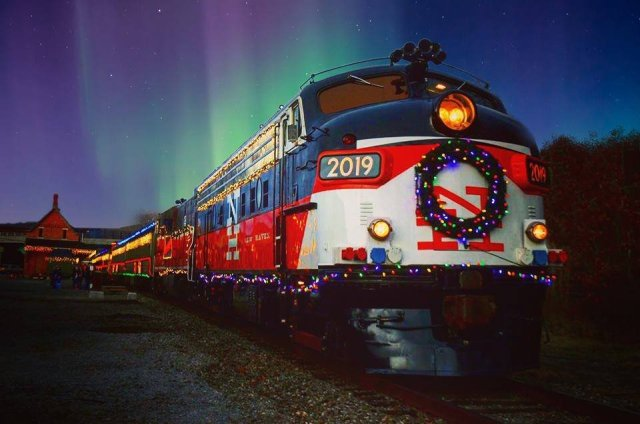 All Aboard! Holiday Train Rides to Take This Season