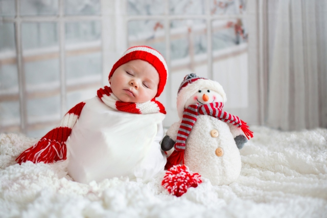 9 Creative Christmas Card Ideas for Babies & Toddlers