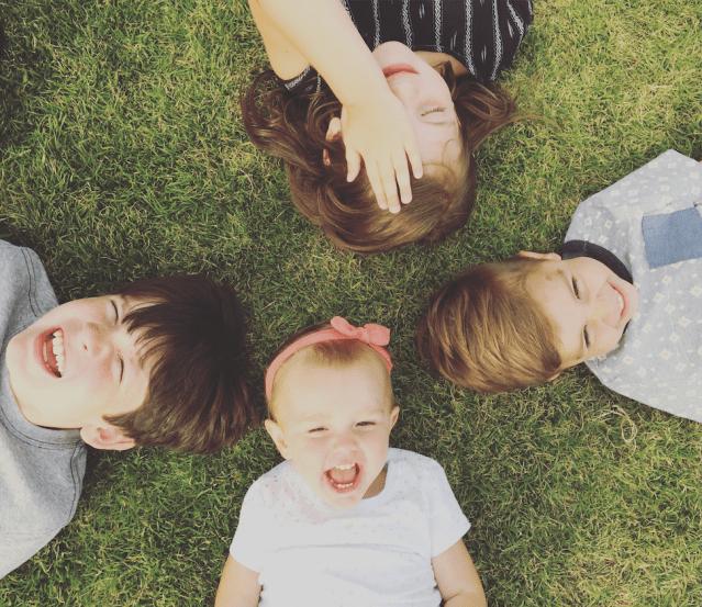 outdoor play, cousins, siblings, happ