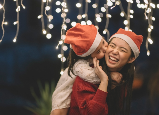 44 Life-Changing Hacks to Save Your Holiday Season